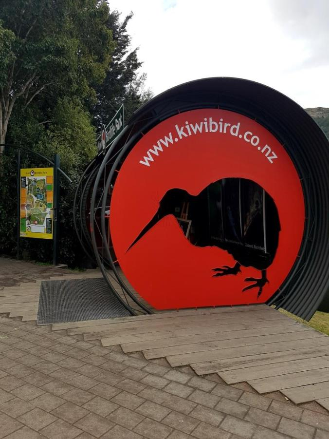 kiwi-birdlife-park-entrance