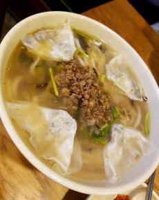 myeongdong-kyoja-dumpling-soup